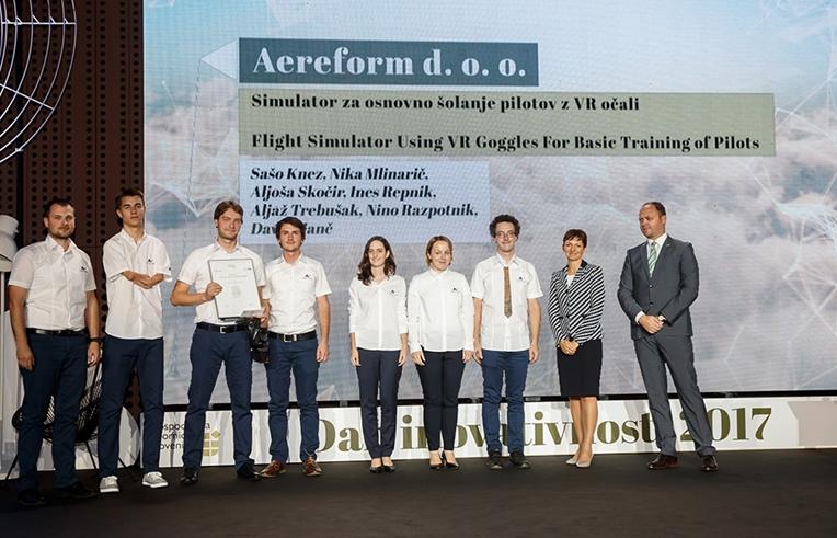 AFormX team being presented the CCIS award with the minister of education Maja Makovec Brenčič PhD.