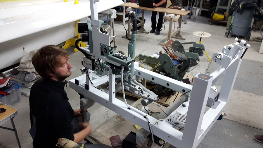Construction of the mechanical system of the simulator.